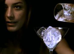 ショットグラスに水1